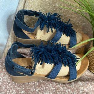 Minnetonka blue wedge fringe sandal